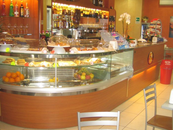 Prezzi banchi bar roma compra in fabbrica banconi bar for Banconi bar usati roma